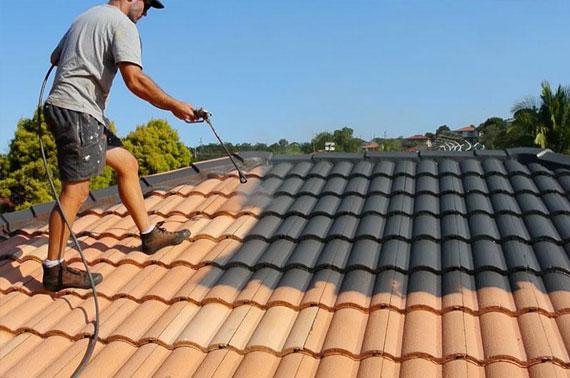Peinture toiture : comment faire le bon choix pour vos travaux